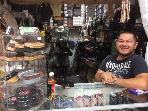 el-triunfowe-are-your-shoe-and-leather-repair-experts-in-sacramento.-water-damage-no-problem.-broken-heel-on-stilettos-easy.-favorite-sneakers-need-new-soles