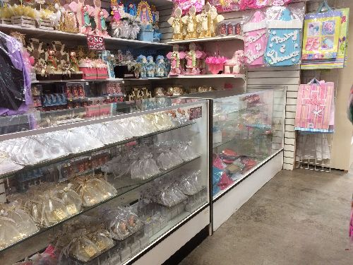 Creaciones Ariande shopsmart-sacramento-Everything you need for quinceañeras and baptisms, as well as wedding accessories.