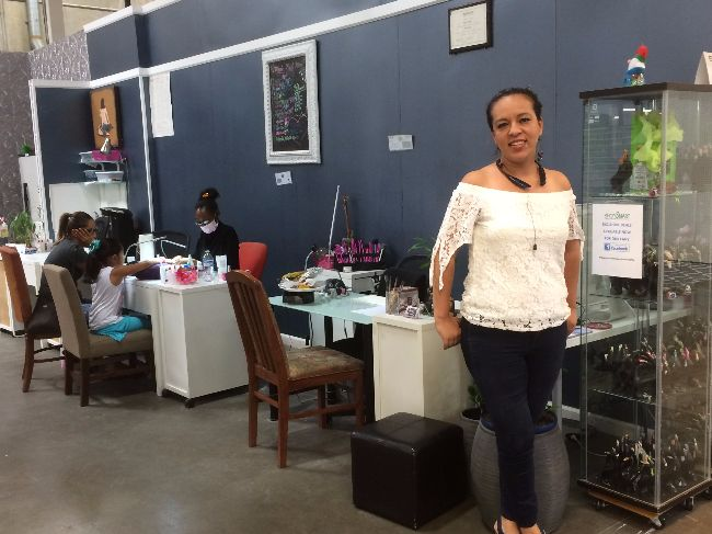 imagic-nails-shopsmart-sacramento-manicures-pedicures-acrylic-nails-gel-nail-nail-designs-3d-art-and-freehand-design-nail-art-decorations-and-classes