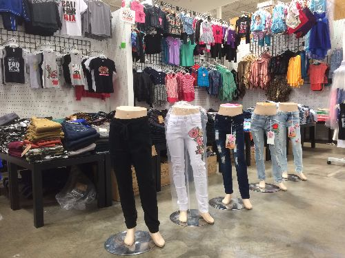 in-style-kids-shopsmart-sacramento-casual-wear-for-boys-girls.-huge-selection-of-boys-and-girls-jeans-and-shorts.-kids-belts-and-hats-too