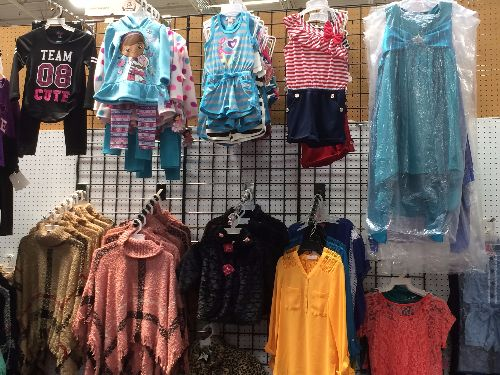 in-style-kids-shopsmart-sacramento-casual-wear-for-boys-girls.-huge-selection-of-boys-and-girls-jeans-and-shorts.-kids-belts-and-hats-too5