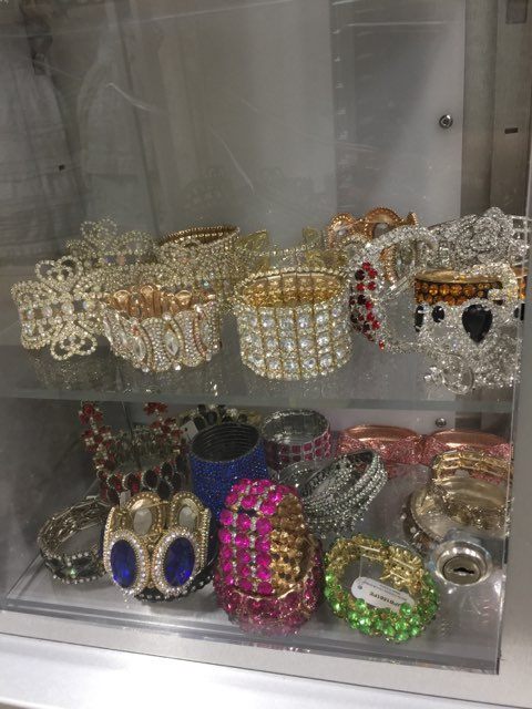 crystal-jewelry-shopsmart-sacramento-10